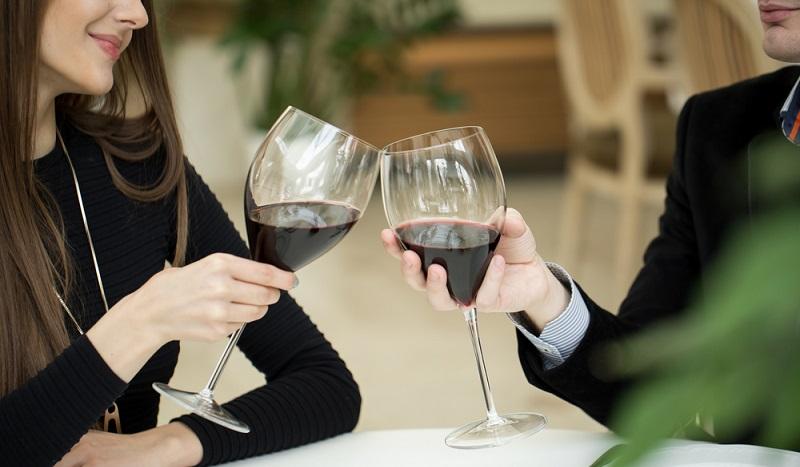 In Zukunft zeichnet sich ein Trend ab, dass wieder mehr konsumiert wird und auch ein paar teure Vergnügen wie der Besuch eines gehobenen Restaurants wieder populärer werden. (#4)