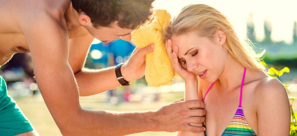 """Krankmeldung: """"Ab wann muss ich mich krankmelden, wenn ich mitten im Urlaub erkranke?""""  - Gerade im Urlaub sind versäumte Fristen besonders ärgerlich, will man doch die durch Krankheit verlorenen Urlaubstage später wieder nachholen. (#1)"""