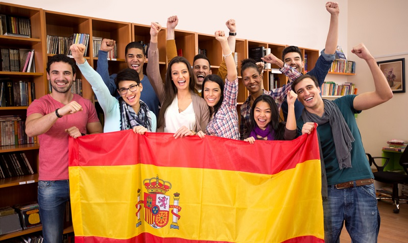 Die spanische Sprache muss angewendet werden, was übrigens für jede Sprache gilt.  ( Foto: Shutterstock- Lucky Business)